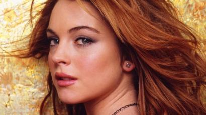 Ilyen dögös a fürdőruhára vetkőzött Lindsay Lohan