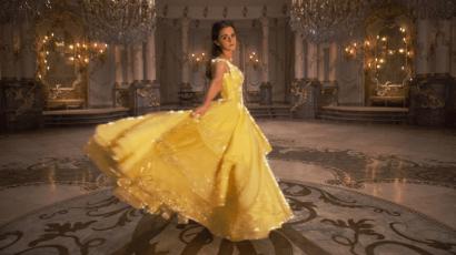 Íme Emma Watson vagyont érő ruhája számokban