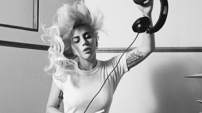 Íme Lady Gaga új kislemeze, az A-YO