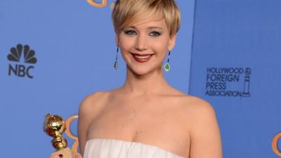 Internetszenzáció lett Jennifer Lawrence ruhája