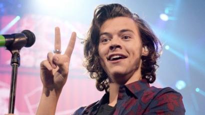 Ismerd meg a srácot, aki lenyúlta Harry Styles barátnőjét