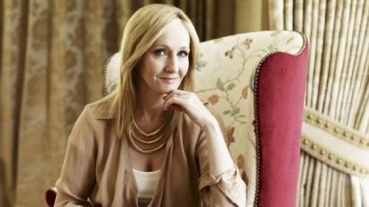 Ismét Harry Potter világába kalauzol J.K. Rowling
