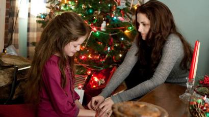 Ismét összejött Kristen Stewart és Alkonyat-beli lánya, Mackenzie Foy