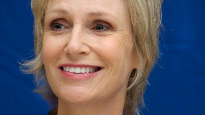 Jane Lynch is az örökbefogadás mellett pártol