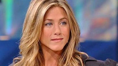 Jennifer Aniston egyelőre nem adoptál