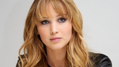 Jennifer Lawrence egy elájult lány segítségére sietett
