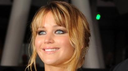Jennifer Lawrence-t saját anyja lopta meg