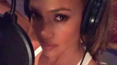 Jennifer Lopez ismét stúdióba vonult