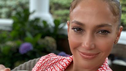 Jennifer Lopez sztárokkal tömött videóval ünnepelte a nőnapot