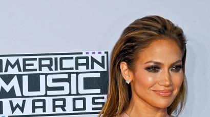 Jennifer Lopez vezeti az idei American Music Awardsot