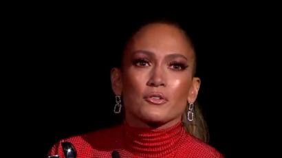 Jennifer Lopez videóban mutatta meg, hogyan készült a CFDA gálájára