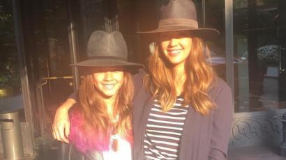 Jessica Alba terápiára jár kislányával