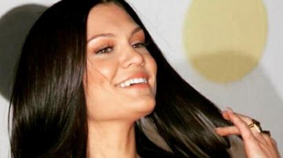 Jessie J megvált hosszú tincseitől: rövid hajat vágott magának