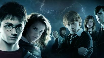 J.K. Rowling hivatalosan is végzett Harry Potterrel