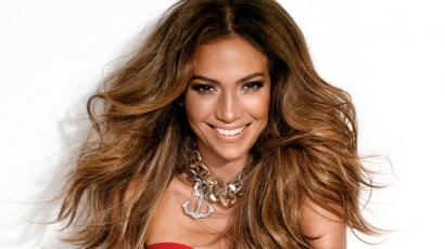 J.Lo nem elégedett a saját énekhangjával