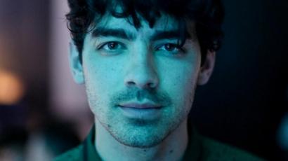 Joe Jonas beöltözött Lady Sansának