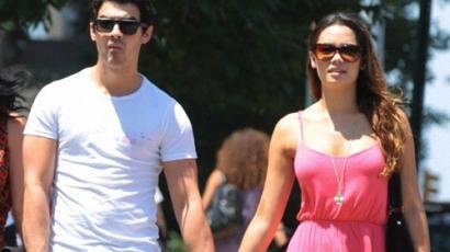 Joe Jonas és Natashia Ho egy pár!