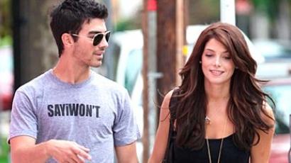 Joe Jonas vissza akarja kapni Ashley Greene-t