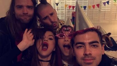 Joe Jonasszal indul turnézni Selena Gomez