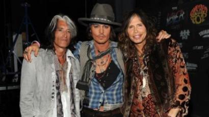 Az Aerosmithszel lépett fel Johnny Depp