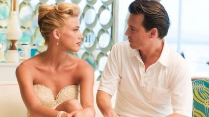 Johnny Depp megváltoztatott tetoválása útján üzent Amber Heardnek
