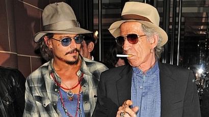 Johnny Depp remekül fest