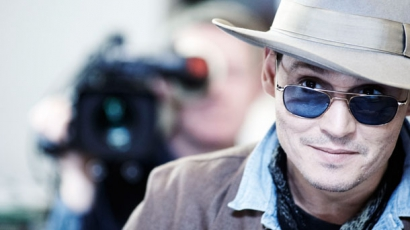 Johnny Depp Shakespeare-sorozattal nyomul