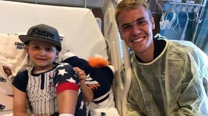 Justin Bieber beteg gyerekeknek szerzett örömet