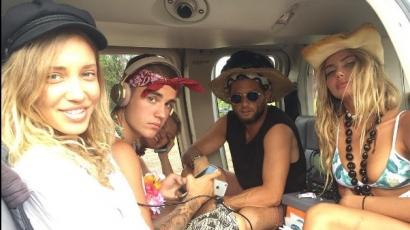 Justin Bieber tud élni! Így vakációzik a barátaival – fotók