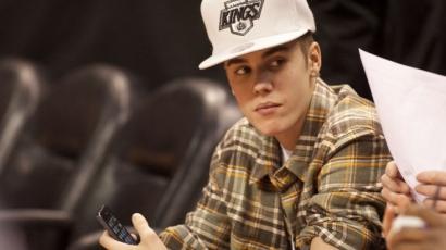 Justin Bieber újra hallat magáról - videó