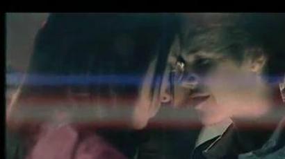 Justin Bieber szereti Jasmine-t, de nem úgy