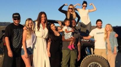Kanye West hálás, amiért a Kardashian-Jenner családhoz tartozhat