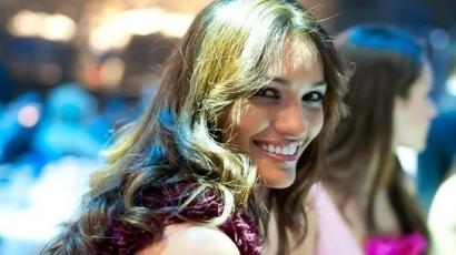 Karina Pinilla a BBM új reklámjában szerepel