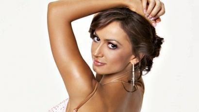 Karina Smirnoff ledobta ruháit a Playboynak