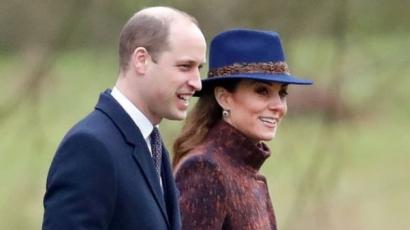 Katalin hercegné először jelent meg nyilvánosan az újévben, szuper kék kalapot viselt