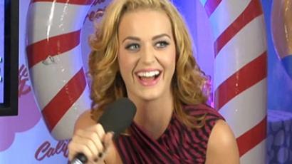 Katy Perry hivatalosan is szőke