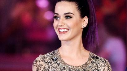 Katy Perry nem bújik ágyba akárkivel