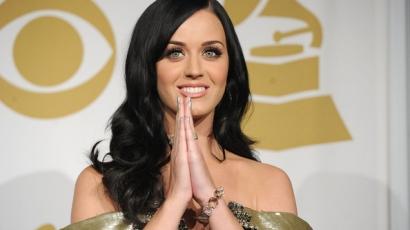 Katy Perry cáfolja a terhességi pletykákat