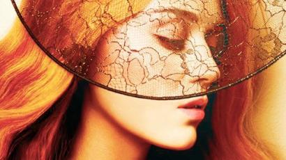 Katy Perry vörös hajszínre váltott