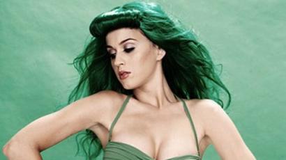 Katy Perry zöld lett