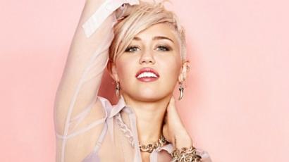 Kékre festette haját Miley Cyrus