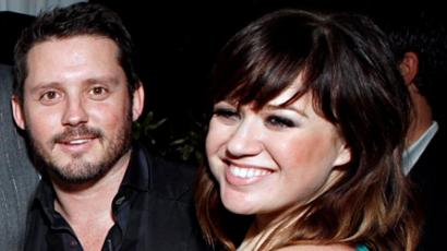 Kelly Clarkson a barátjával dicsekszik