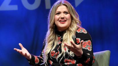 Kelly Clarkson aszexuálisnak tartotta magát