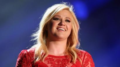 Kelly Clarkson új albummal készül