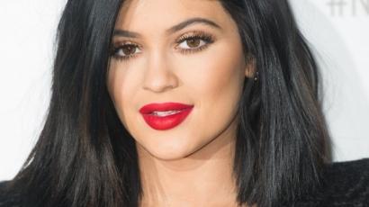 Khloé Kardashian kitálalt: Kylie Jenner plasztikázott!