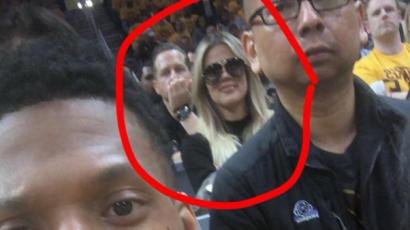 Khloe Kardashian megalázta rajongóját, aki fotót készített vele
