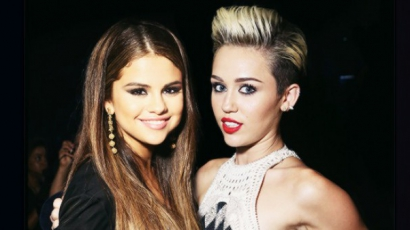 Kigúnyolta egymást Selena Gomez és Miley Cyrus