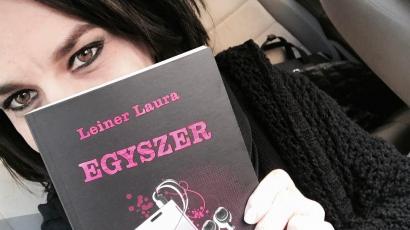 Kígyózó sorokban várták az olvasók Leiner Laura legújabb kötetét