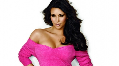 Kim Kardashian megmutatta tündéri kisfiát
