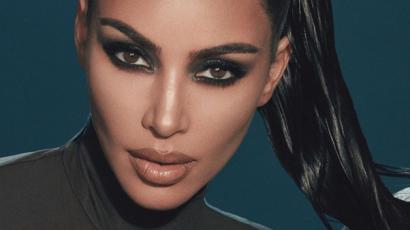 Kim Kardashian nem mert szülni, amíg nem lett kész a körme